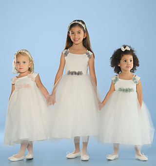 Flower Girl Dresses, Styles and Ideas 3