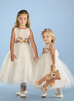 Flower Girl Dresses, Styles and Ideas 4