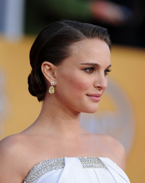 Hottest Hairstyles from 2011 SAG Awards 7