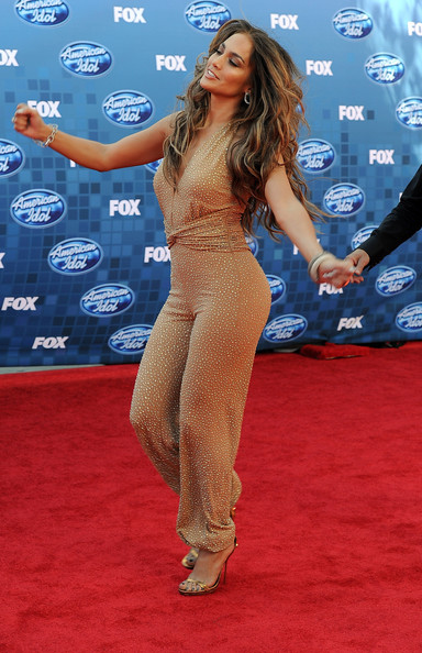 jennifer lopez hair colour american idol. added more color? Jennifer